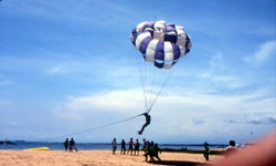 marinesport_parasailing1.jpg